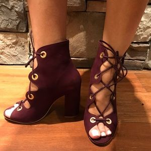 Steve Madden wine lace open toe booties